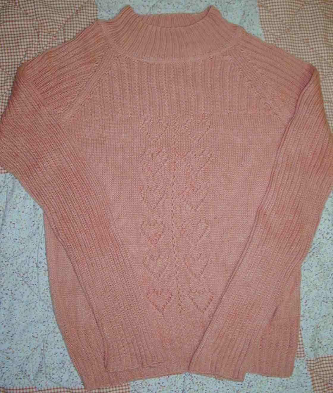 这件也是2006的作品,绢丝羊绒线,衣服很漂亮的,拍出来的效果不好