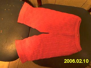 3:红色棉线织的套装(YY穿在宝宝身上,没办法拍,花样是一样的