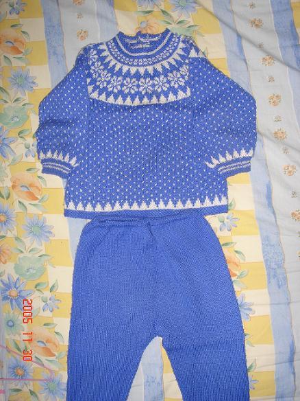 蓝色毛衣2.JPG
