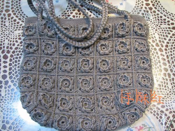 十年前钩的包包,一种叫地毯线的