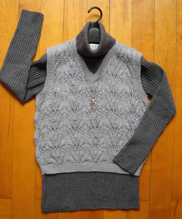 偶的作品.为了配里面那件过时的羊绒衫...