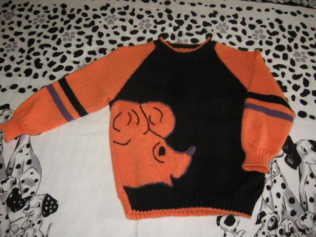 小猪图案的毛衣