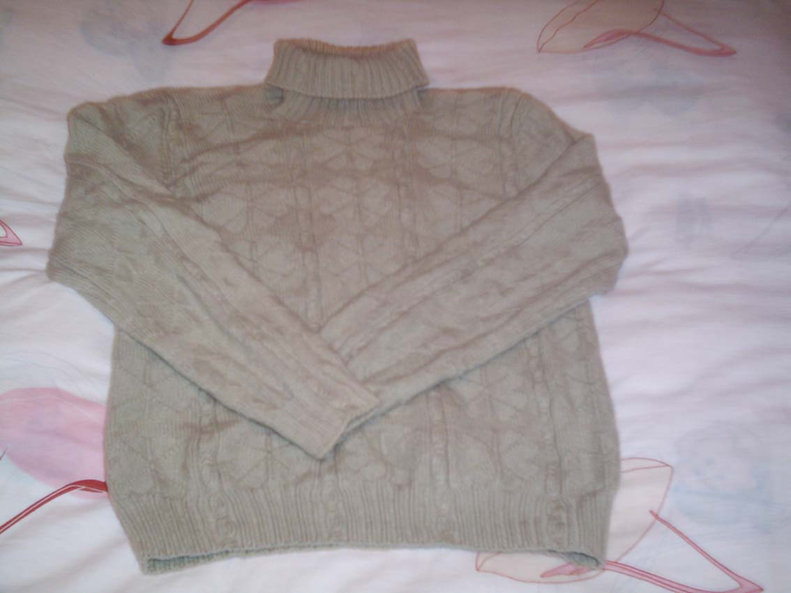 平时织的第一件毛衣,好多年的历史了!