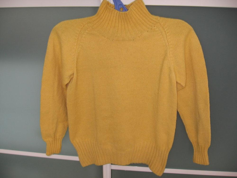 拍的不好,毛衣的颜色还是不错滴