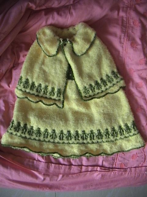 给外甥女织的套裙(披风+裙子)