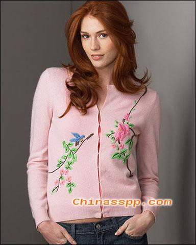 典雅花朵刺绣装饰,体现精致女人味