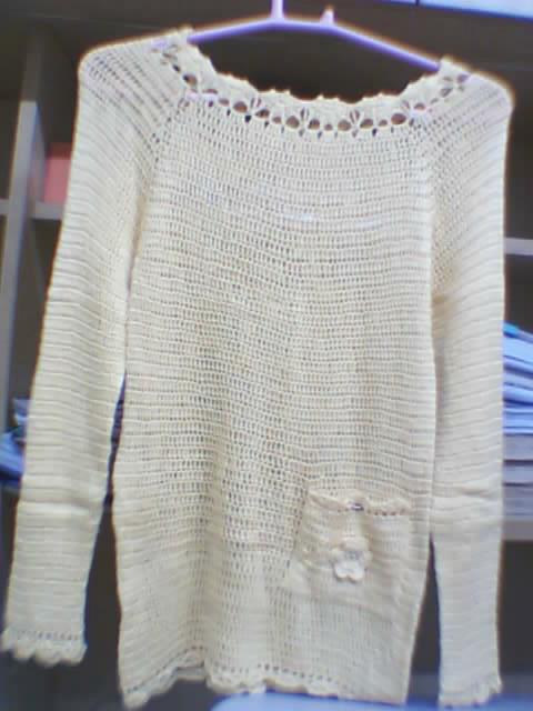 这件是才钩的,用五股棉线,随便瞎钩的,也没什么图解,也是给侄女的
