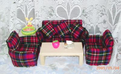 红格子沙发2.JPG