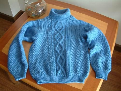 冬天的厚毛衣2!这款毛衣要打紧一点,否则两上两下的交错针织出来有些垮。