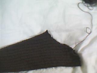 刚完成的毛衣袖子