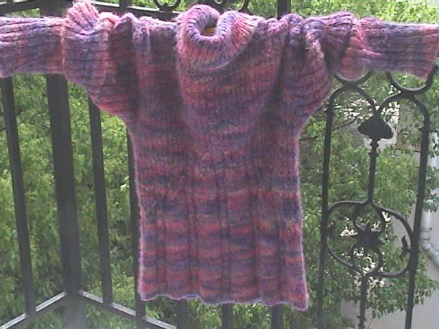 这是去年在洋洋家买的马海毛,终于有了成品,只用了半斤线