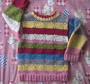 这件是我以前买给自己的毛衣,后来洗缩水了,就拆掉给儿子织了件。