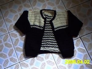 第八件:是用全216细的全毛线和两股钩的套装,一个背心,一个外套。