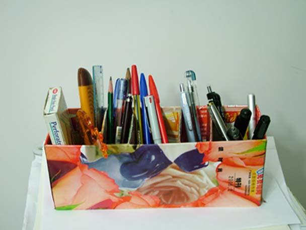 用药盒做的笔筒