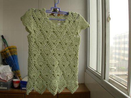 这件还是去年从洋洋买的扃棉线钩的,钩好了有段时间了,感觉不太好.