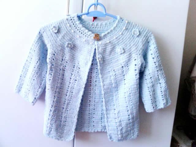 给朋友家宝宝的小衣服~~这是给朋友家宝宝钩的小衣服~也是在米米小屋买的灯心绒线~这里要说明的是~这个线线