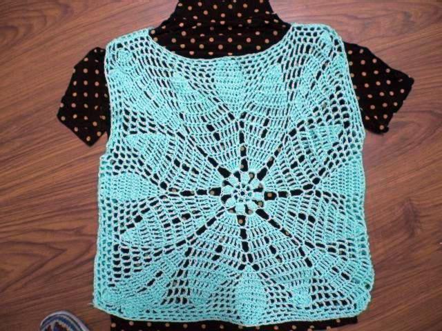 这是苏杭的棉线,用了一两多点线。也是我第一件钩衣处女作。