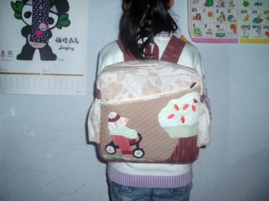 以前做的女儿上学用的书包