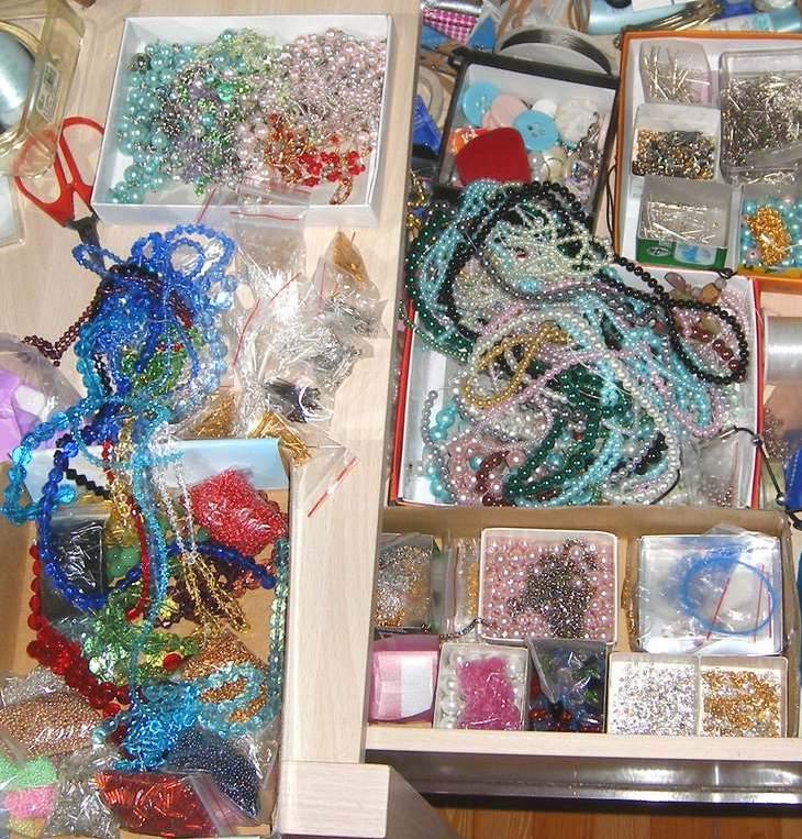 没想到材料是越买越多,都集在我的疏妆台里呢。
