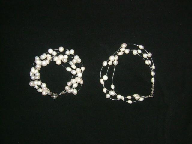 戴厌了的珍珠项链怎么处理?首饰要的就是新鲜感和独特的风格。人人都有的珍珠项链很难戴出精彩来。仍掉可惜