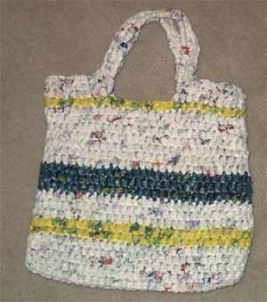 就用这根绳子或者钩或者织,变成一个美丽而且时尚的小包包!!!