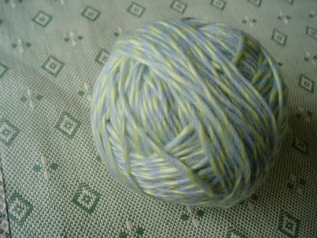 50%羊毛的AB棒针线线啊,去年冬天买的有1斤!要的话30拿去!