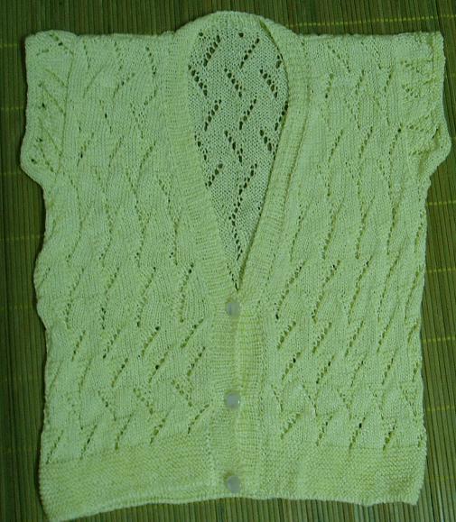 这件是婆婆织的,用的20元/斤的亚麻线,很有垂感,就是稍微有点刺感。