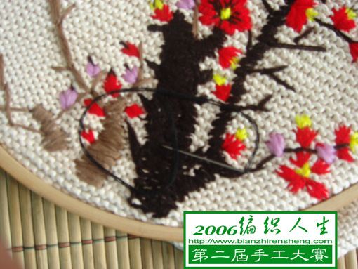 用黑色线绣梅花的老枝(黑色枝子)