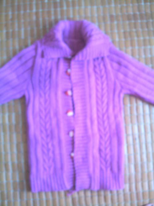 用的是纺织娘家的玫红兔毛线
