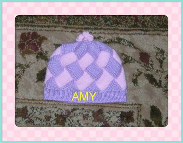 给宝贝女儿织的帽子