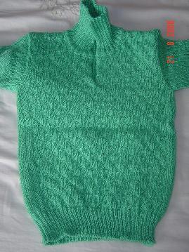 绿色套头衫