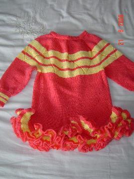 红色小裙(边是钩的)邻居阿姨的作品