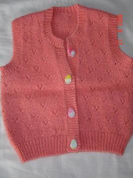 红色小背心(扣子是可爱的草莓宝宝)