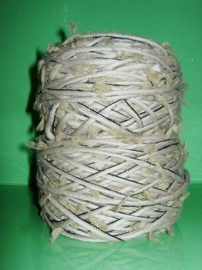 围巾就是用此线织的