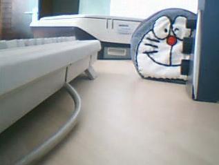 1、大家好,我是机器猫,自从离开康夫N年之后,来到了中国,好心的主人给我起了个名:大饼干.