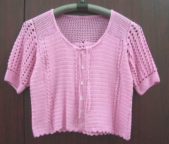 刚完成的玫粉色可爱罩衫。层层叠叠是今年搭配的主流,可爱的mini罩衫给了我很多的创意空间!