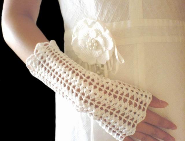 特地找了条白裙子搭配,可惜我不是新娘