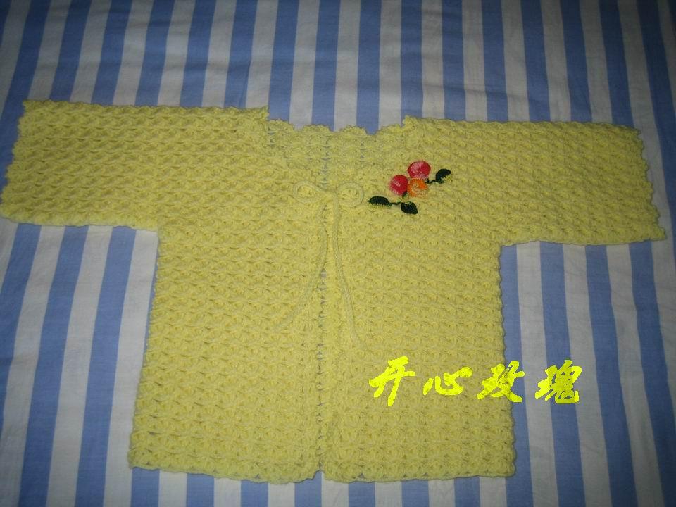 小侄女的外套,米米妹的宝宝绒线,用线三两多,小花是用蕾丝线钩的