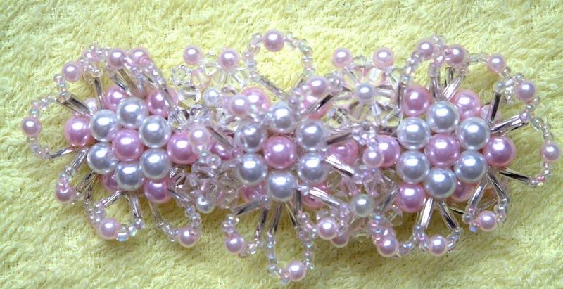 粉红珍珠发夹