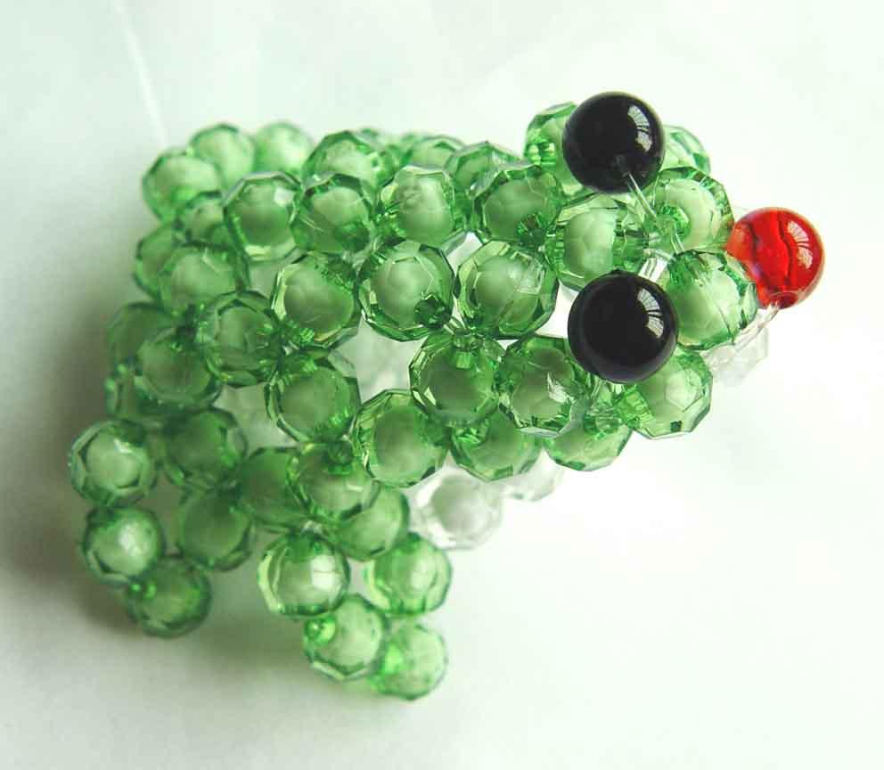 珠中珠串的青蛙