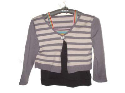 短款横条毛衣