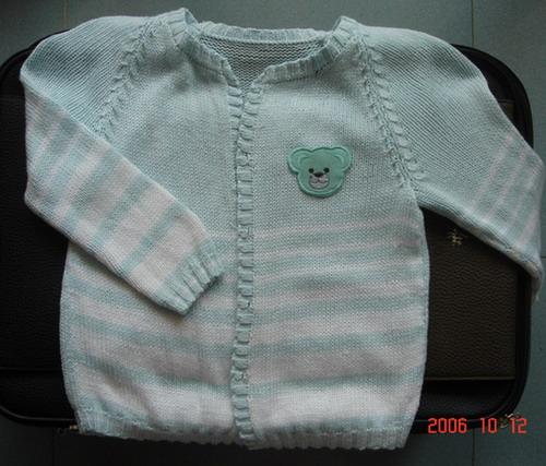 布衣家的丝光棉真有织头,这么多,还能织件宝宝衣,还余了半J白的,哈哈