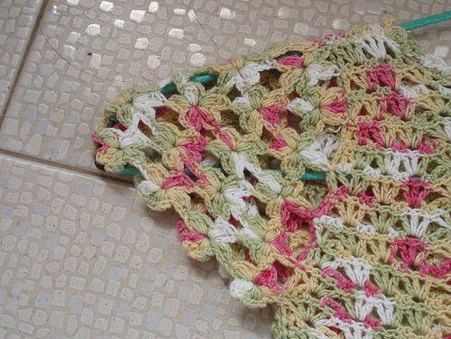 袖子细节,5个花瓣,用一钩到底的方法钩的