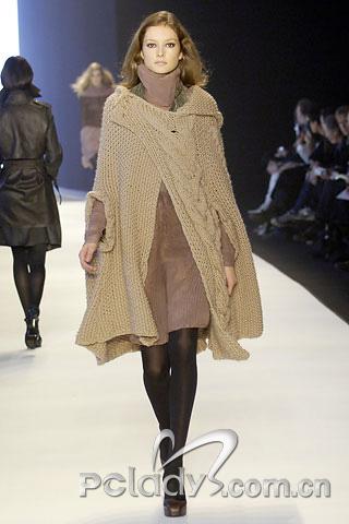 Sophia Kokosalaki告诉你,针织有多适合颓废层叠装