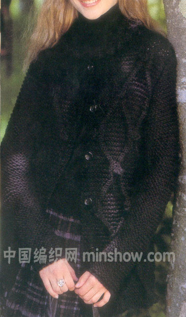 漂亮的黑色绞花外套.jpg
