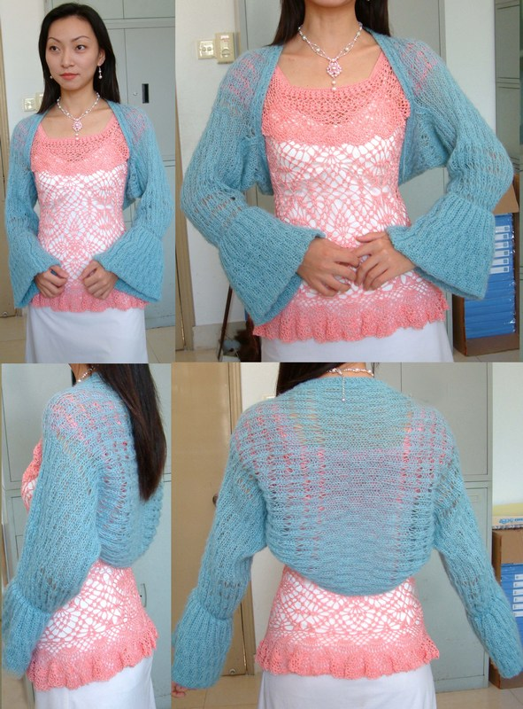 粉蓝马海毛时尚披肩  今年流行这样的披肩,我只是把一条已有的长方形披肩缝一下,就是这件时尚披