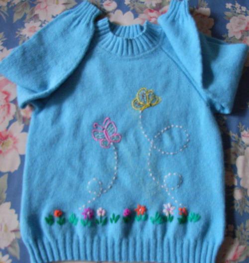 同事用的迷云的30元的羊毛线织的女孩衣服