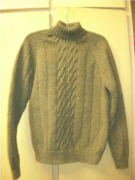 这件衣衣用的是罗敷世家的美利奴绳状羊毛线给儿子织的