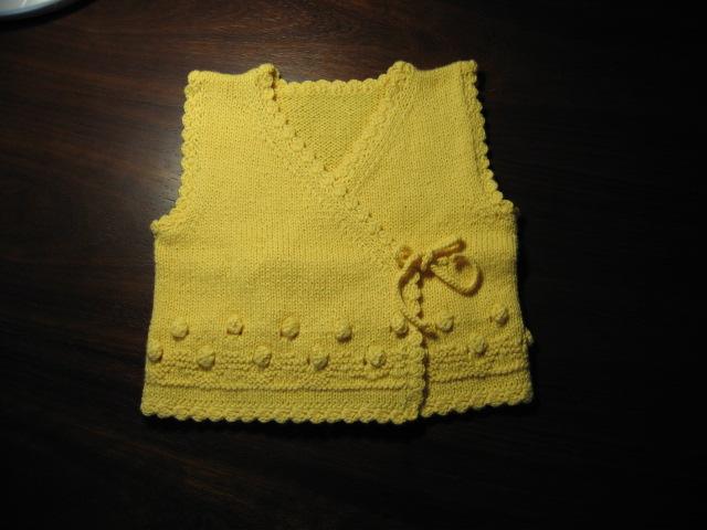 适合婴儿的斜襟式小背心