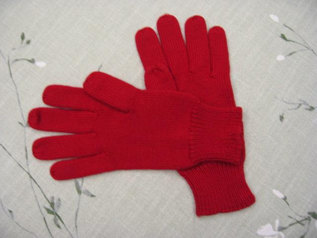 自己的红手套,全是平针,懒人一个,呵呵